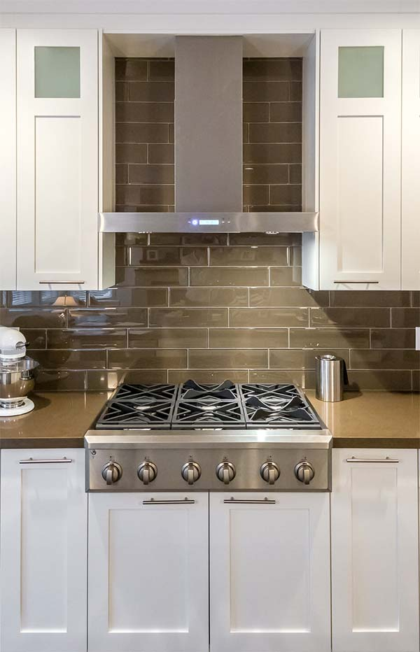 How to choose the best range hood buyer 39 s guide for Stove top with built in vent
