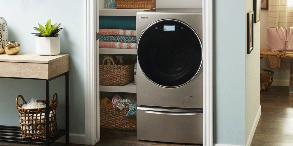 Washer dryer appliance in a small space